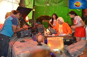On The Sets Team Mangal Ho with Chakraborty Pritish Annu Kapoor 2